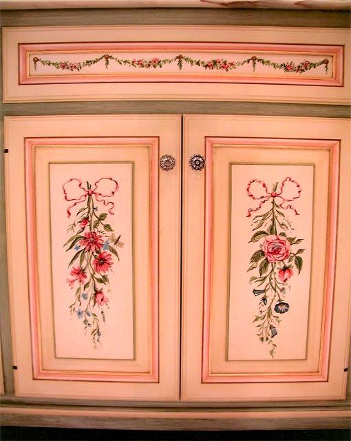 Cedar trunk painted furinture pinterest painted for Cadlow mural world